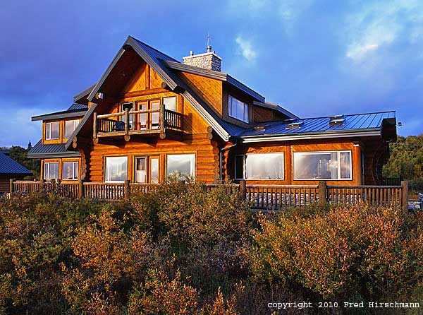 Remote fly-out Alaska hunting and fishing lodges